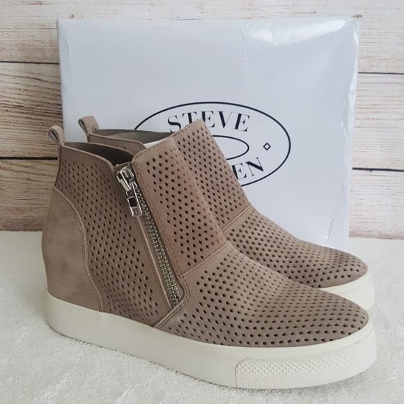 New Steve Madden Wedgie P Perforated